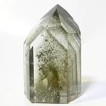 グリーンファントムクォーツ・水晶の中に映る景色